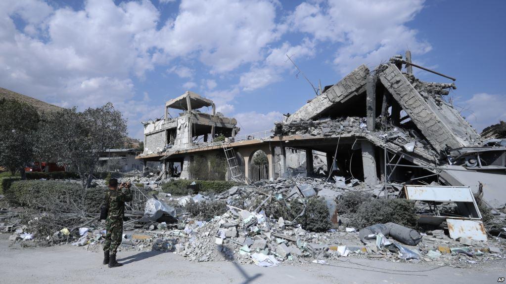 Les interrogations du général Delawarde sur les frappes en Syrie