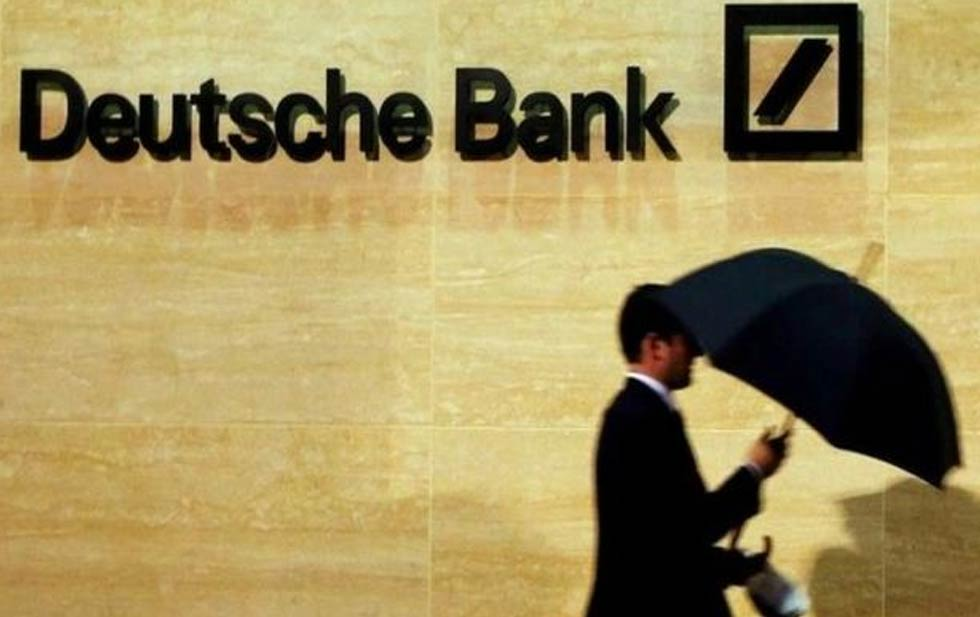 Le monde à une Deutsche Bank du Tsunami financier