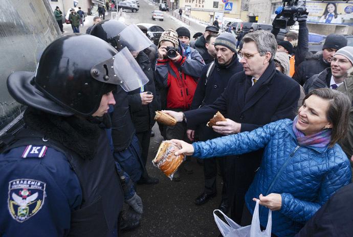 Les puissances occidentales fomentent un coup d'Etat néo-nazi en Ukraine